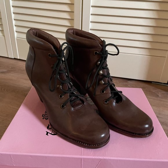CROWN VINTAGE Brown Leather Ankle Booties with attachable ruffles, NEW, Size 8